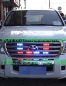 丰田兰德酷路泽安装联邦信号AS380警报器及VS SIGNAL GL332A中网爆闪灯